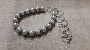 Grey ball necklace