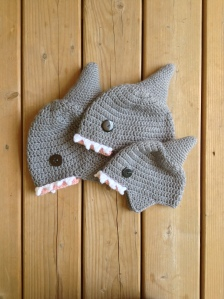 floofy-cat-crochet-1-shark-hat-2
